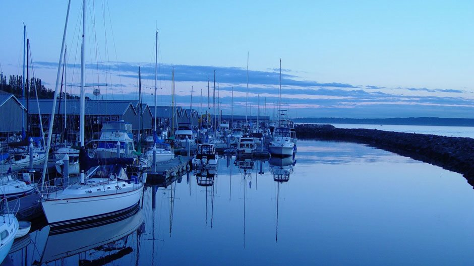 Photo of harbor at dusk to illustrate 401k retirement plan services in employee benefit resources